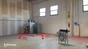 Il generatore d'aria calda a pellet Bluenergy è estremamente compatto. AirCalor 100kW con serbatoio da 600 kg in meno di 4mq!