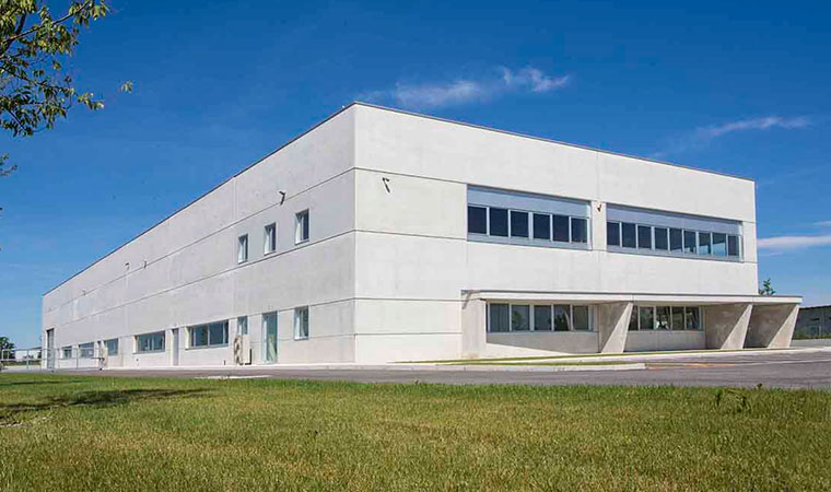 Generator-to-hot-air-to-pellet-ducted-for-hall-of-conselve-padova